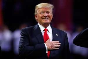 Trump recibe $65,000 dólares de pensión