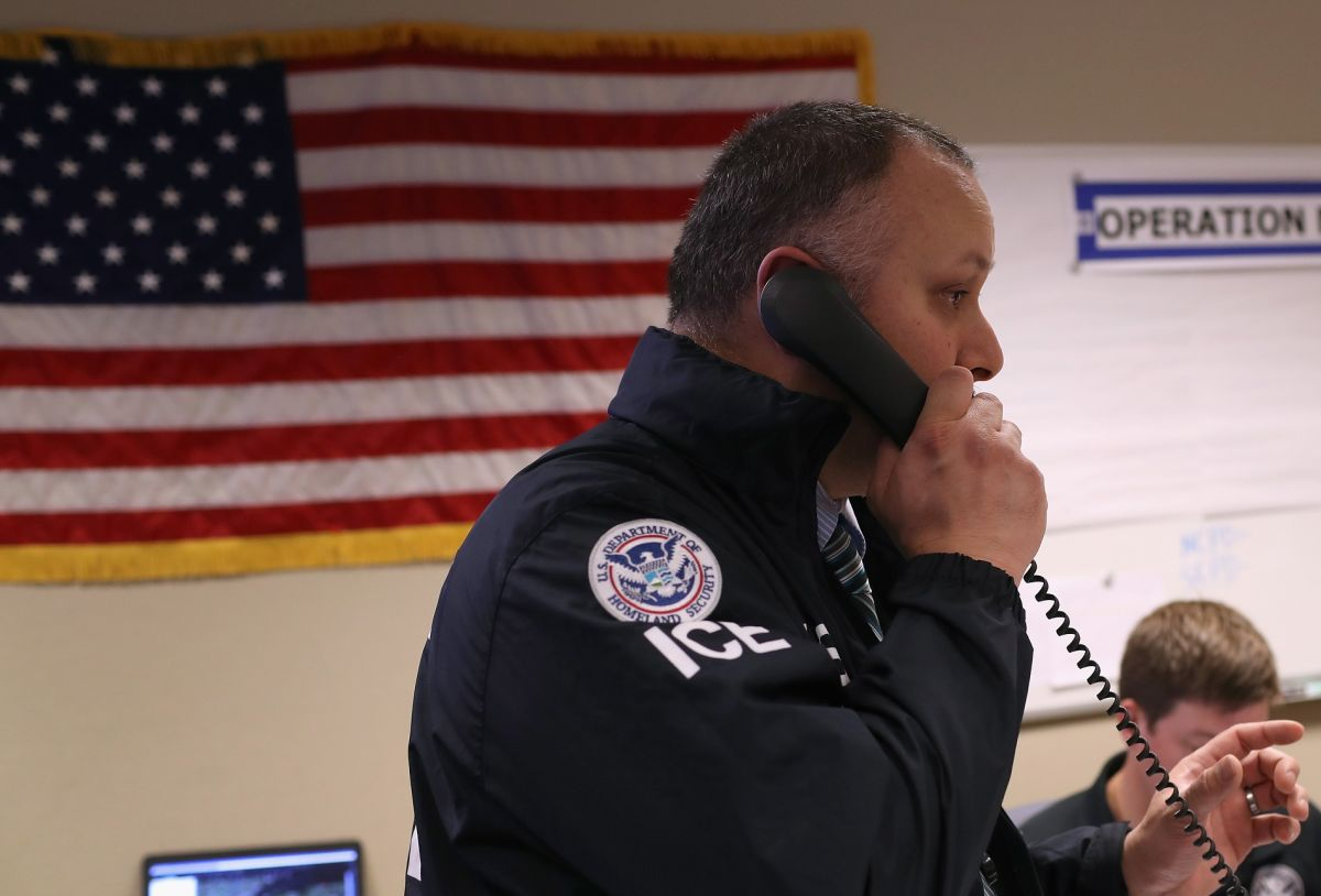 Hispano descubre que es ciudadano estadounidense a pocos días de ser deportado por ICE