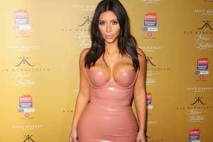 Fuente cercana a Kim Kardashian revela cómo está viviendo la famosa su soltería