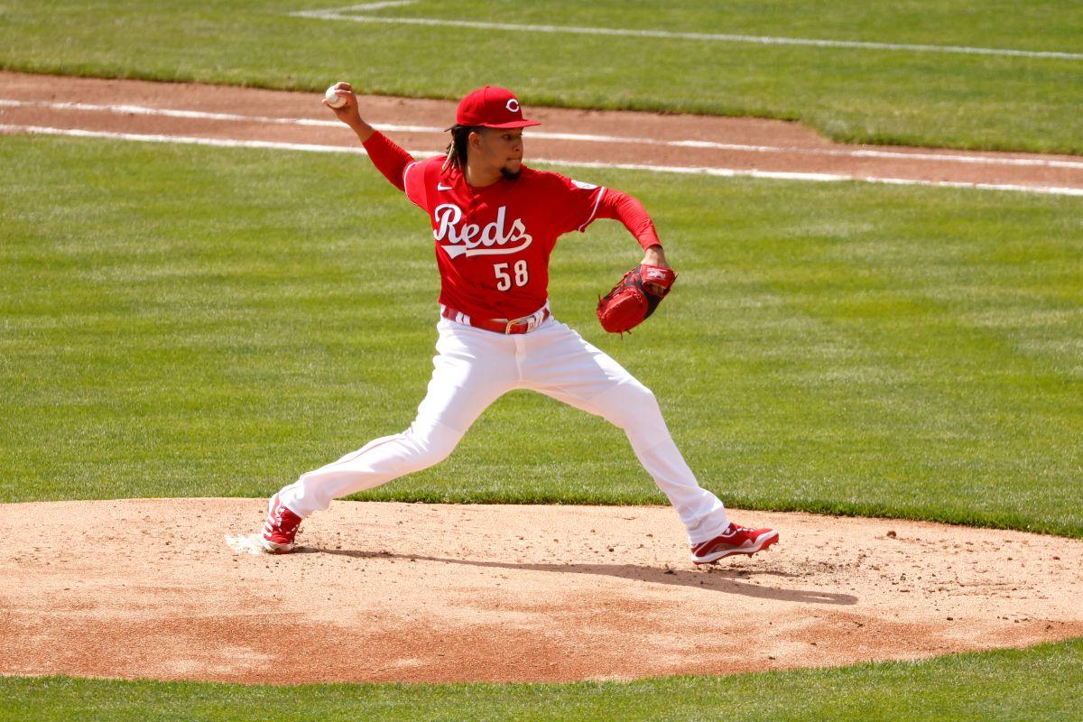 Castillo se repuso a un complicado debut.