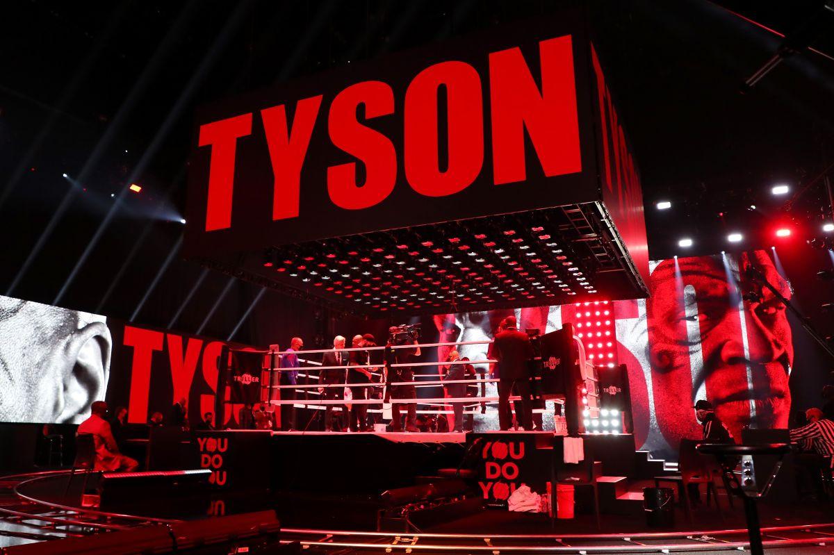 Video: el viral puñetazo de Mike Tyson en una función de lucha libre