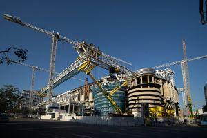 Fotos: Así marchan las obras en el Santiago Bernabéu, ya fue colocada la primera cercha en el techo
