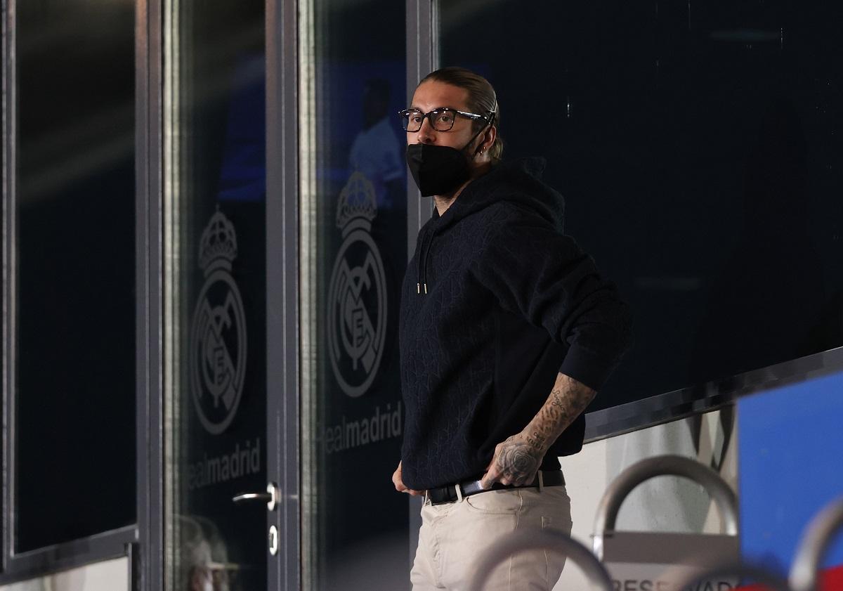 Sergio Ramos dio positivo por COVID-19.