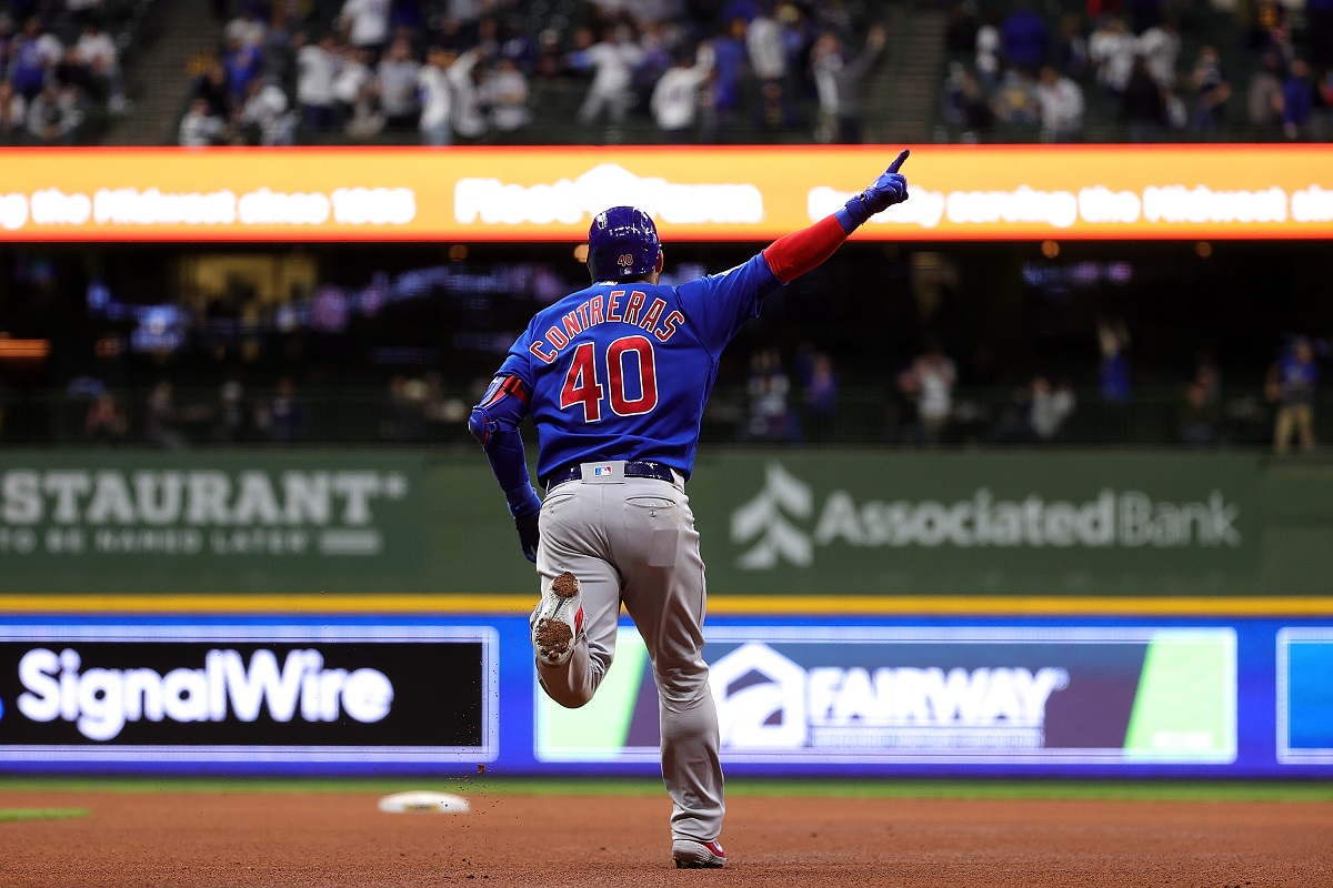 Video: ¿Bat flip del año? Así se gozó Willson Contreras un jonrón gigantesco