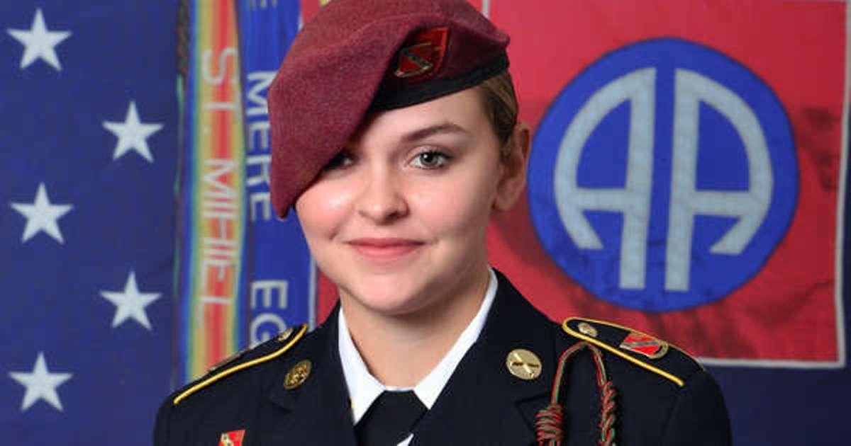 Mujer militar murió saltando de helicóptero, comprometida para casarse; gobernador Cuomo ordenó banderas a media asta en Nueva York