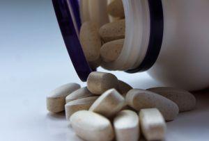 Una pastilla antiviral contra el COVID-19 de Pfizer podría estar lista para finales de 2021; así funciona