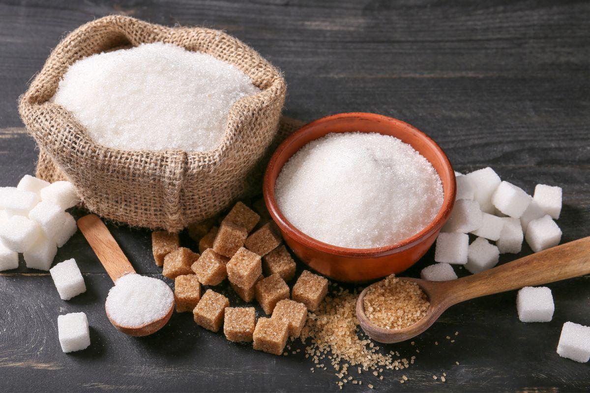 Por qué el azúcar en exceso aumenta la producción de grasa en tu cuerpo