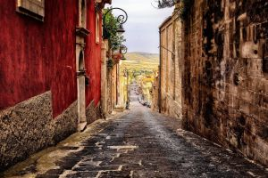 Pueblo italiano Castiglione di Sicilia vende casas por solo Є1 euro