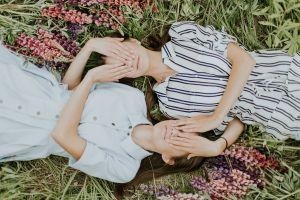 En su cumpleaños 36, dos gemelas coreanas separadas al nacer se encontraron por primera vez en EEUU