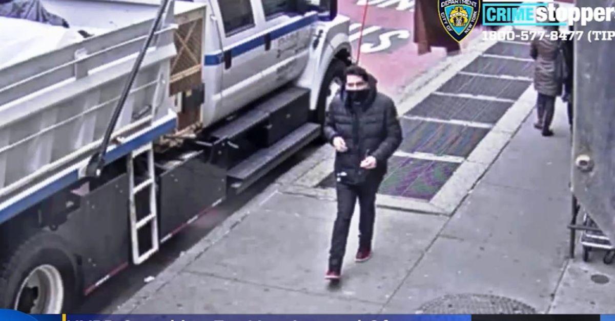 Buscan a sospechoso latino por hombre apuñalado varias veces en pelea en el Metro de Nueva York