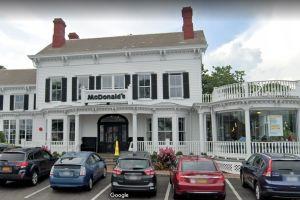"""El McDonald's """"más bello"""" del mundo funciona en una mansión histórica en Nueva York"""