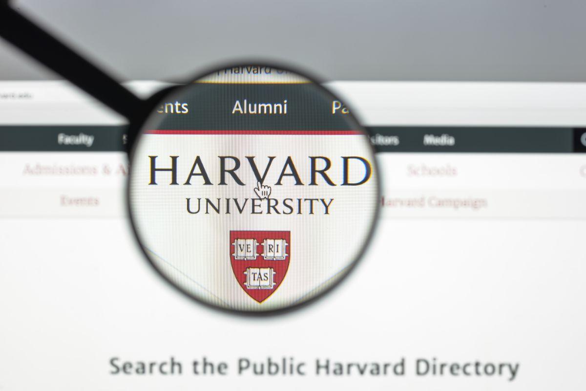 Hija de indígenas migrantes mexicanos obtiene beca en la universidad de Harvard