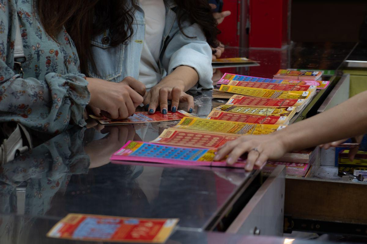 Ganan la lotería gracias a sus vacaciones