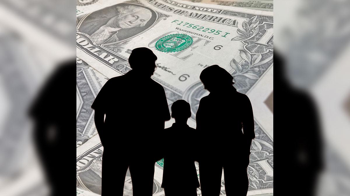"""Cómo el IRS procesará los pagos """"plus-up"""" o complementarios a quienes les envió de menos por tercer cheque de estímulo"""