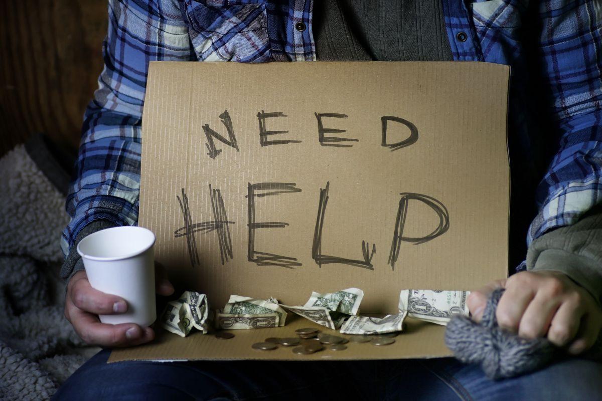Pedía dinero en las calles, le ofrecen un trabajo y su respuesta ha dejado sorprendido a más de uno