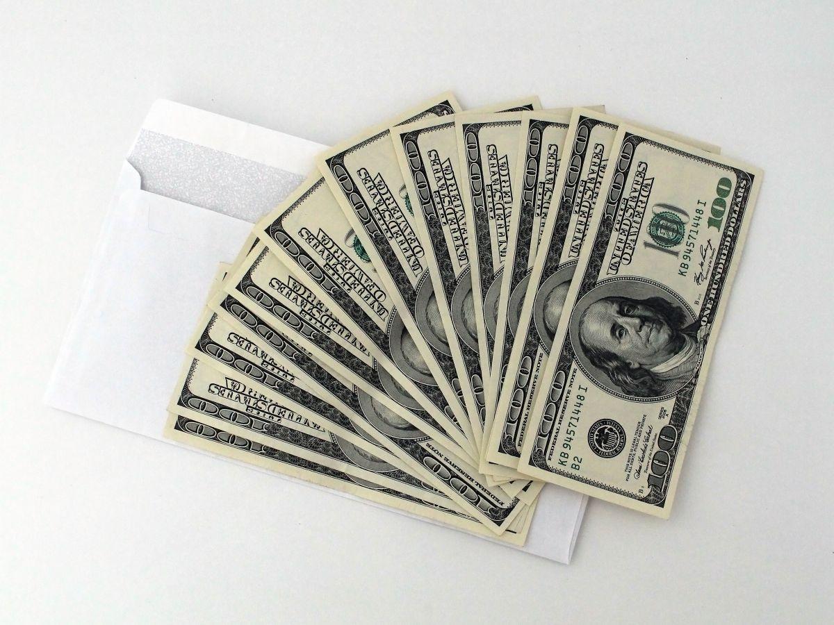 Olvídate del cuarto cheque de estímulo: cuatro maneras de recibir más dinero de ayuda por coronavirus