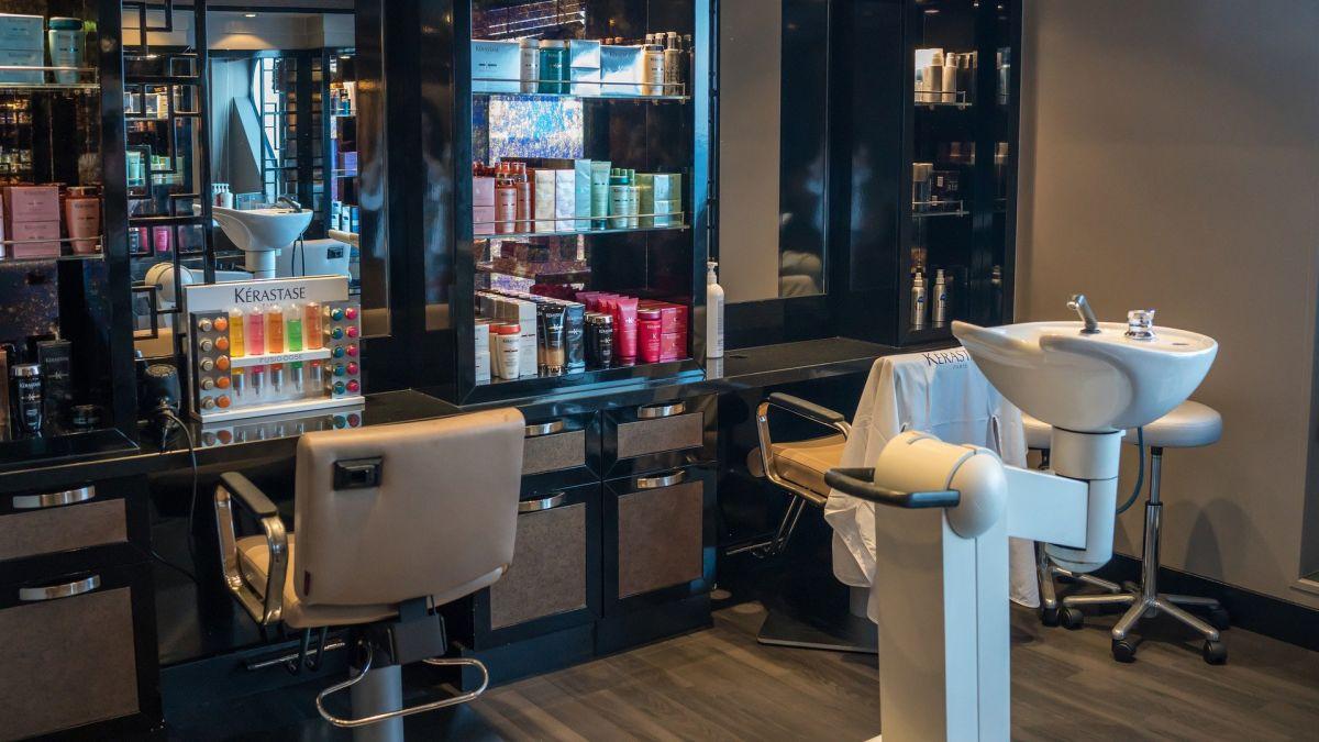 ¿Quieres abrir un salón de belleza? Podrías gastar más de $200 por cada pie cuadrado