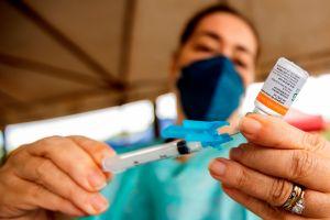 ¿Qué vacuna es la más efectiva contra el coronavirus? y otras 10 preguntas comunes sobre estas