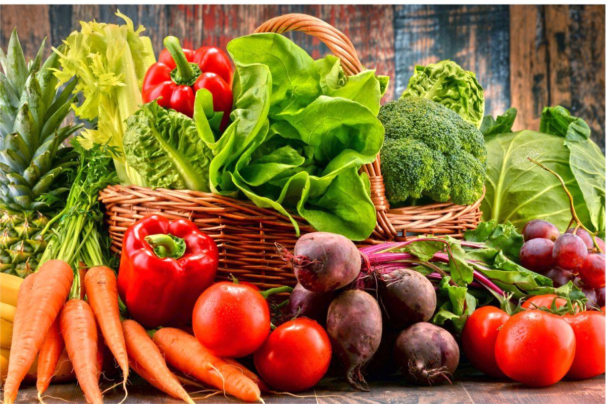 Seguir una dieta basada en plantas y limitar el consumo de carnes rojas, reduce el riesgo de padecer enfermedades cardiovasculares, cáncer, diabetes y obesidad.
