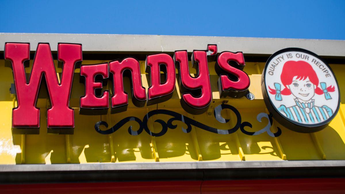 Wendy's dará hamburguesas Pretzel Bun Cheeseburger a $1 durante un mes