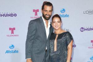 Toni Costa y Adamari López están muy juntos y felices enamorándose de Capri, junto a Alaïa