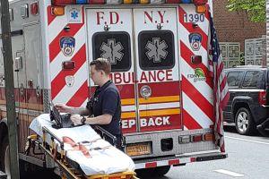 Joven de 21 años murió expulsada de auto: violento choque en Nueva York