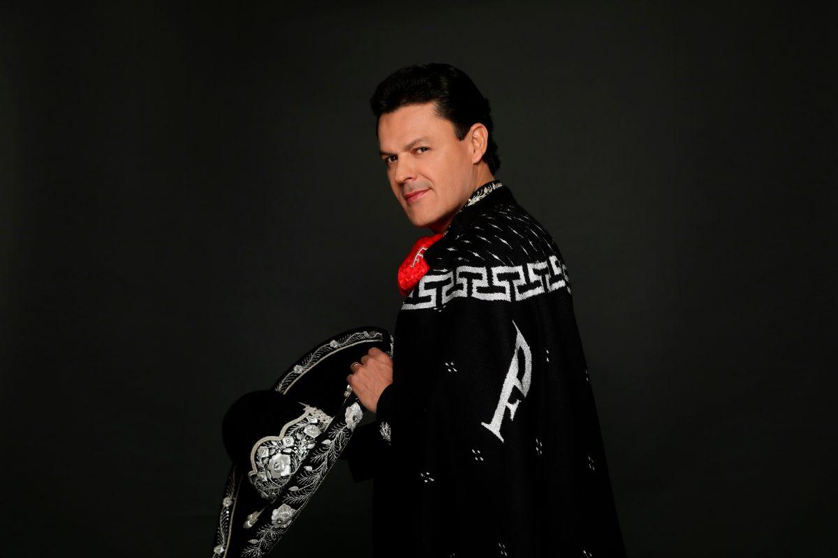 """Pedro Fernández se convierte en el """"Robin Hood mexicano"""": el cantante llega a Telemundo para ser Malverde"""