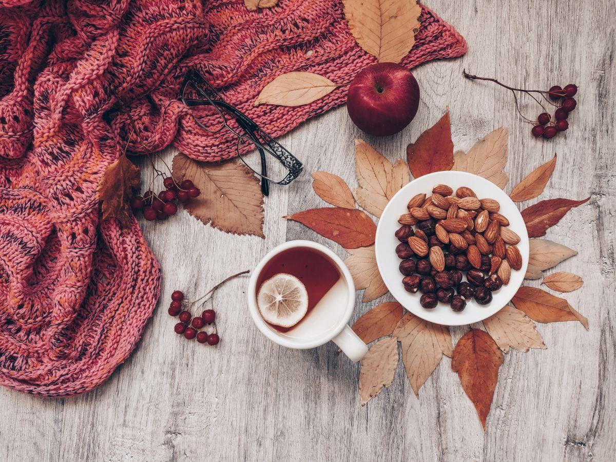 Las almendras brillan por su contenido en antioxidantes y se caracterizan por su inmenso poder saciante. Son ideales para combatir los antojos y la ansiedad por comer.