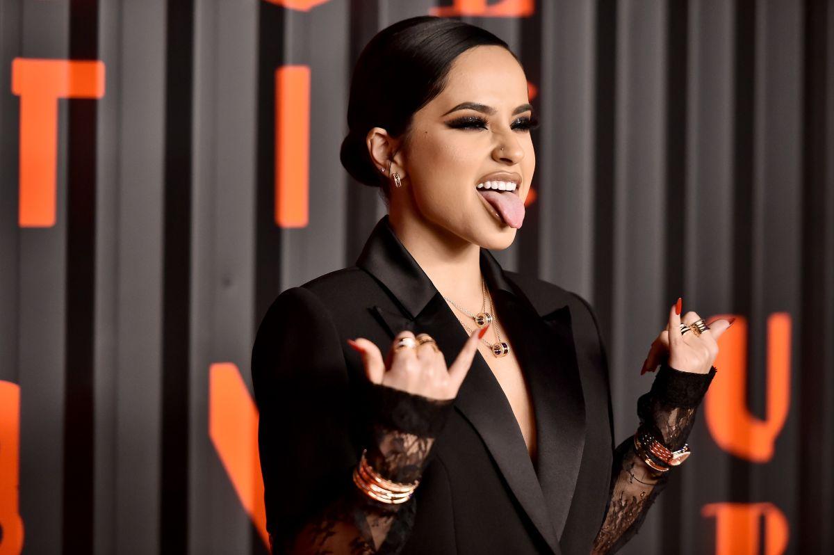 Becky G estrena nueva marca de belleza, Treslúce Beauty, inspirada en su herencia mexicana.