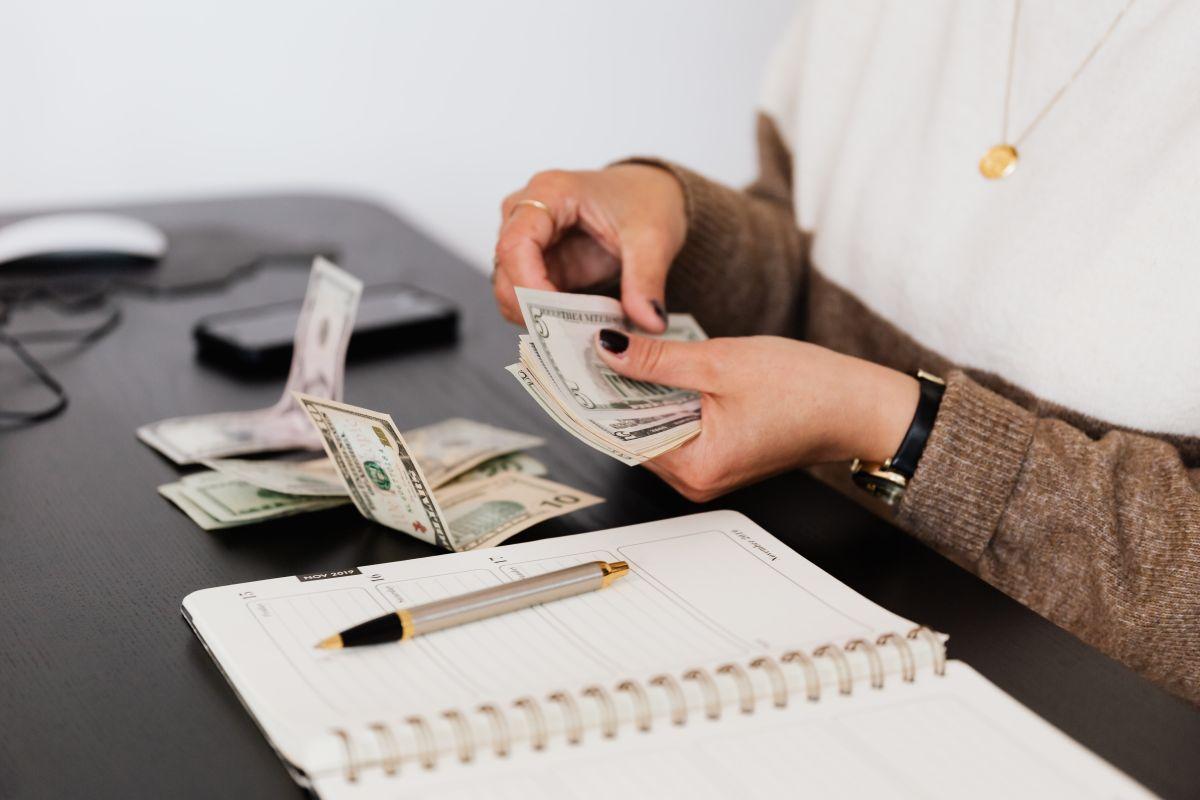 No es mala idea recibir un bono para comenzar a trabajar.