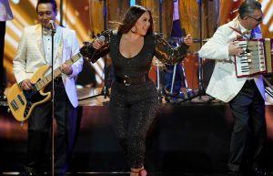 """Chiquis Rivera explotó el escenario del concierto """"Ellas y su Música"""" con su increíble presentación y sensualidad"""