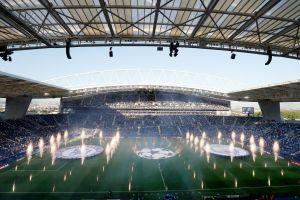 Así fue el emotivo show de entrada a la final de la Champions League 2021 en Oporto