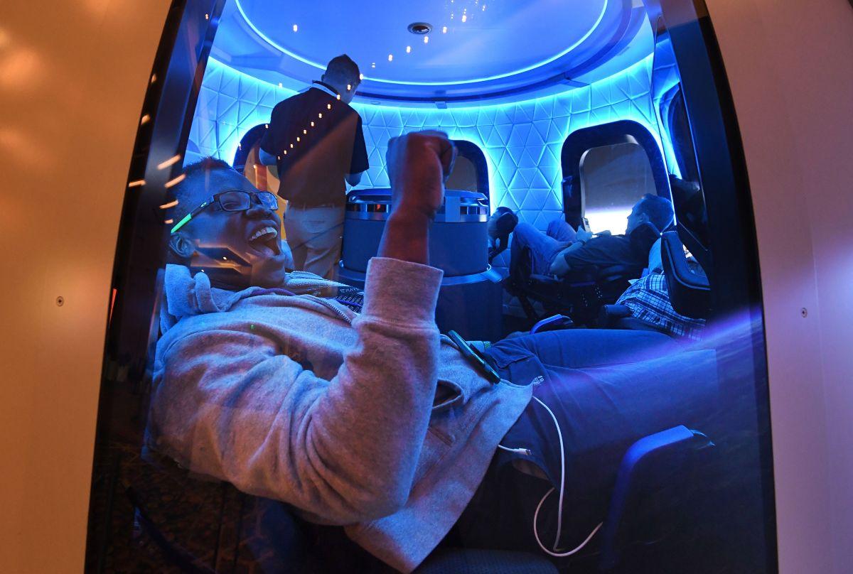 Blue Origin, la empresa de Jeff Bezos, lanzará el 20 de julio el primer vuelo de turismo espacial