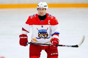 Imparable: Vladimir Putin realizó ocho anotaciones en un partido de hockey sobre hielo [VIDEO]