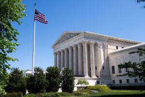 Corte Suprema rechaza facilitar a inmigrantes deportados su camino de vuelta a Estados Unidos