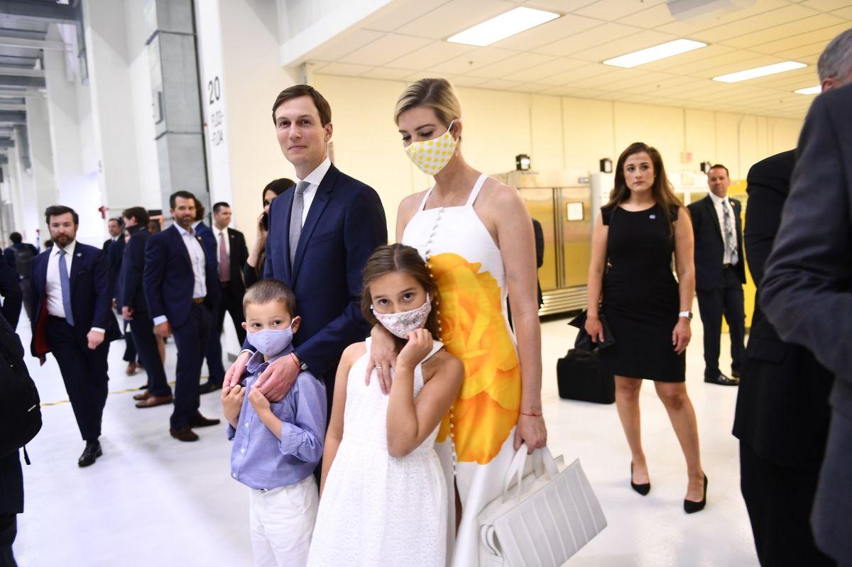 Ivanka Trump golpea a su hijo… por accidente