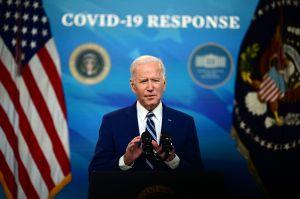 ¿Qué significa la liberación de las patentes de vacunas contra COVID-19 que Biden apoya?