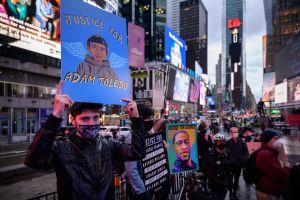 ¿Por qué la muerte de latinos por abuso policiaco no ha generado protestas a nivel nacional? (podcast)