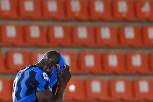 Lukaku y otros tres futbolistas fueron sorprendidos en una fiesta nocturna