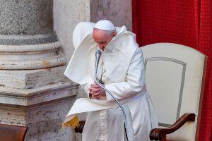"""Papa Francisco hace un llamado para que termine la """"inaceptable"""" violencia entre israelíes y palestinos"""