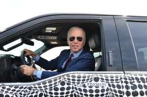 VIDEO: Biden maneja camioneta Ford F-150 Lightning tras rechazar pregunta sobre conflicto en Israel