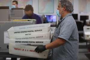 Preocupación y críticas por ley que restringe el voto por correo en Florida