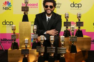 The Weeknd cobró su revancha en los Premios Billboard tras haber sido ignorado en los pasados Grammy