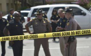 Un muerto en tiroteo frente a edificio de inmigración de USCIS en Orlando