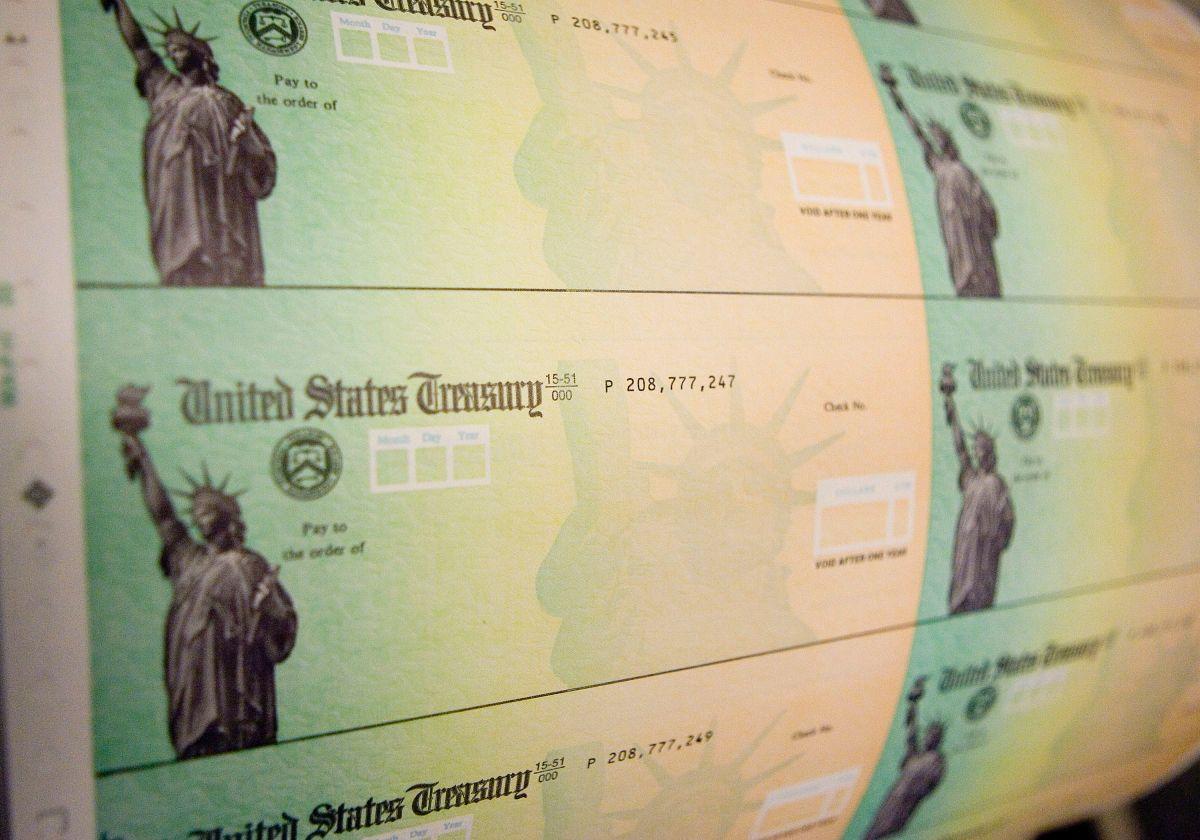 Cuarto cheque de estímulo: más de 2 millones de personas firman una petición para que el Congreso apruebe la entrega de cheques recurrentes de $2,000 dólares