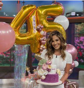 Karla Martínez recibe los 45 años con un agradecimiento muy especial