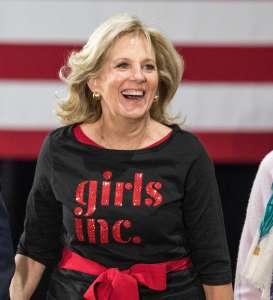 """Jill Biden envió un poderoso mensaje a las artistas latinas durante el concierto """"Ellas y su Música"""""""