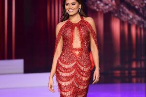 Acusan de plagio a diseñador del vestido con el que se coronó Andrea Meza en Miss Universo