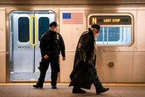 Envían 250 policías uniformados extras para combatir inseguridad en el Subway de la ciudad de Nueva York