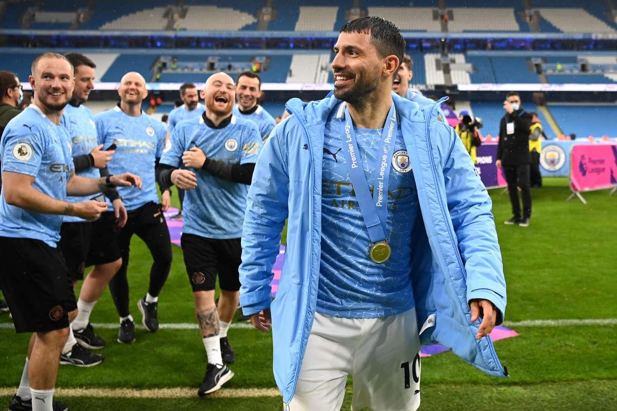 Video: el emotivo doblete con el que Kun Agüero se despidió del Manchester  City - El Diario NY